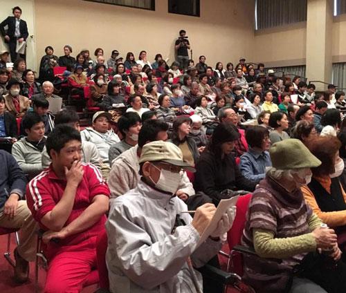 観客動員数約400名で会場は満席!